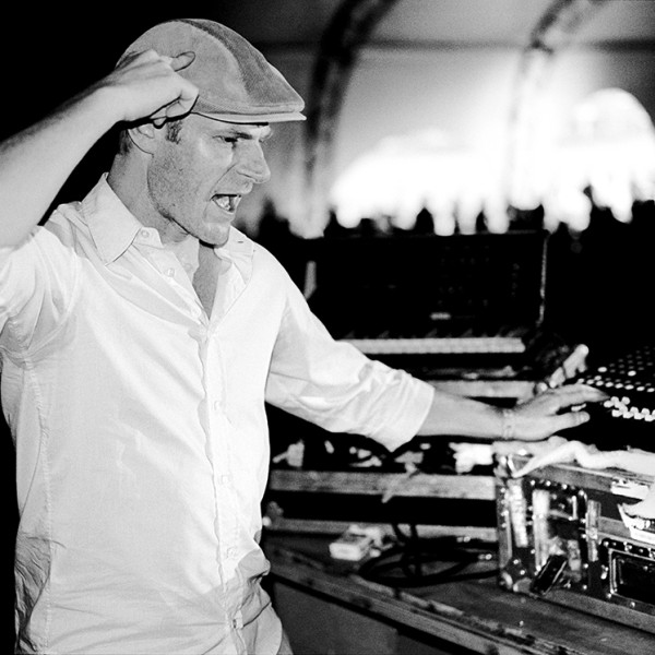 tom-holkenborg-junkie-xl-live-shows-15