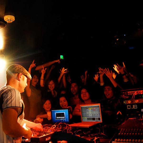 tom-holkenborg-junkie-xl-live-shows-16