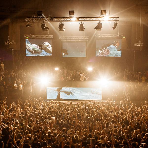 tom-holkenborg-junkie-xl-live-shows-4